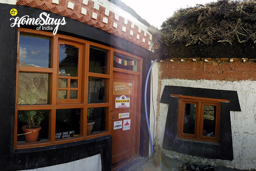 Main-Entrance_Dhankar-Homestay-Spiti