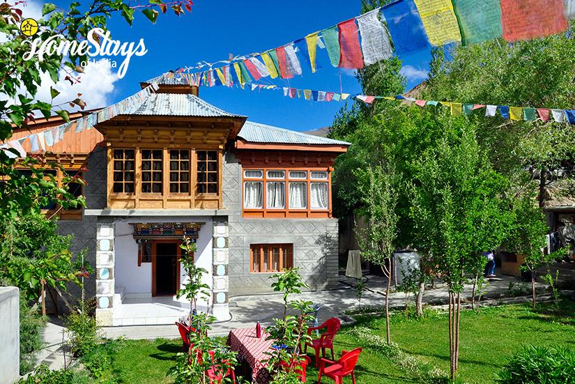 Mulbekh-Homestay-Ladakh