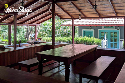 Oudoor Dinning_Mugathihalli-Homestay-Chikmagalure