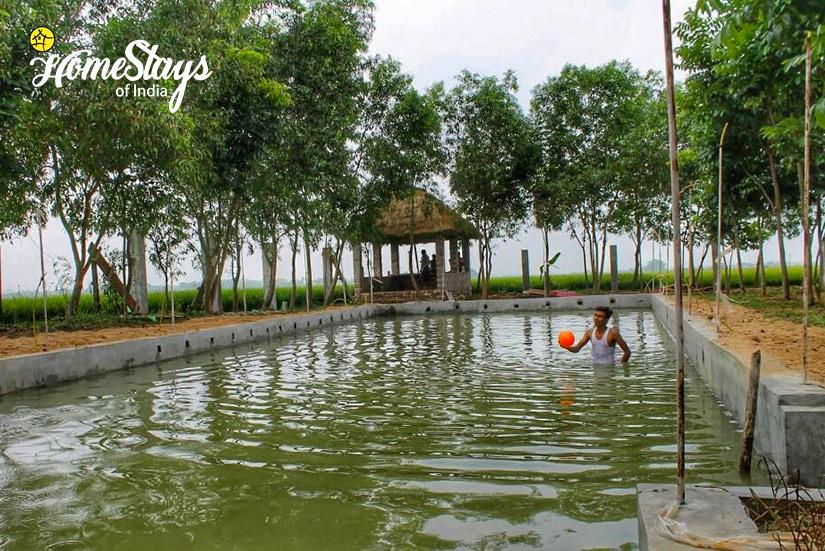 Pond_Singi Homestay