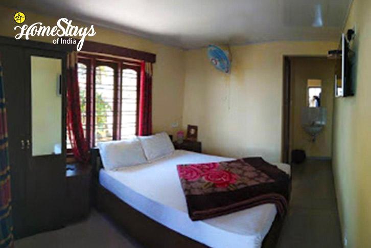 Room-1-Pallivasal-Homestay-Munnar
