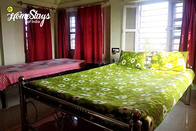 Room-1_Hazra Bagan Homestay