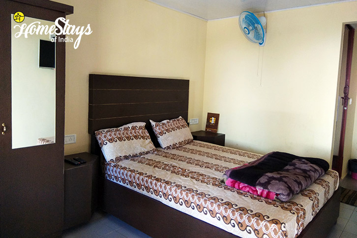 Room-2-Pallivasal-Homestay-Munnar
