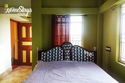 Room-2_Hazra Bagan Homestay