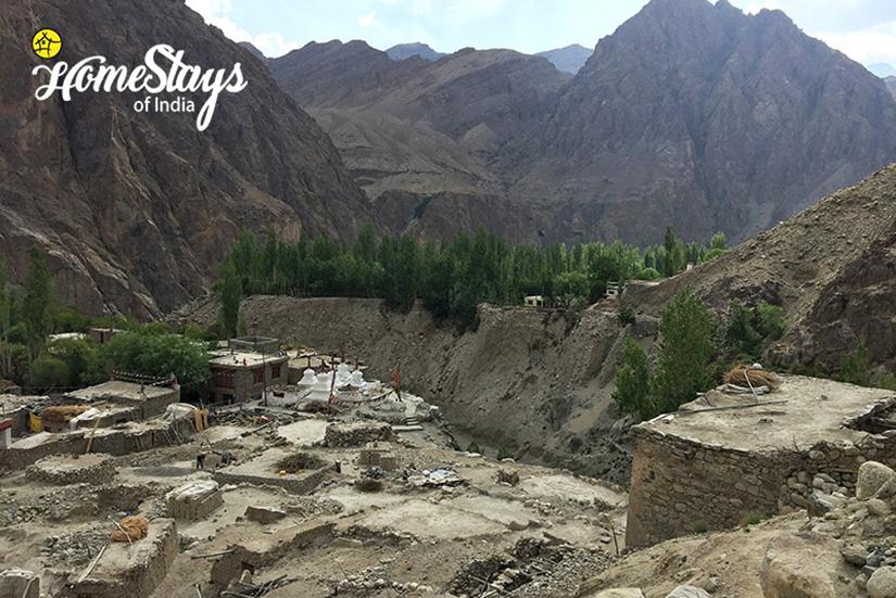 Ruins_Achinathang Homestay-Ladakh
