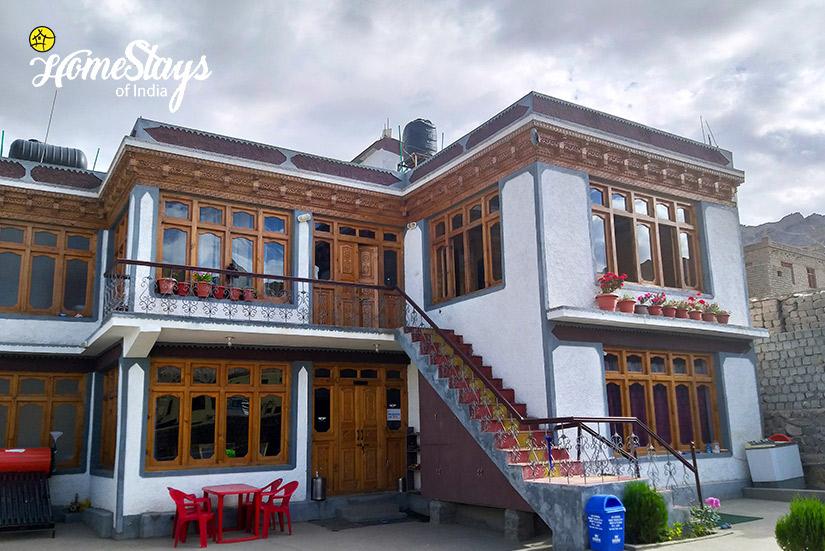 Skampari Homestay_Leh-Ladakh