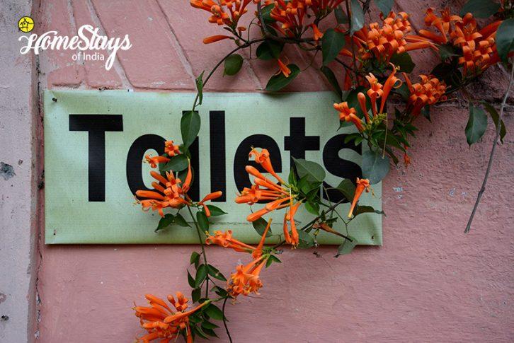 Toilets_Pawalgarh-Homestay