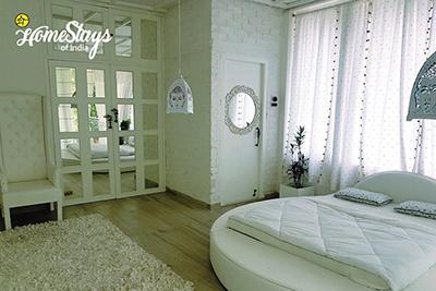 WhiteRoom_Dibrugarh-Homestay