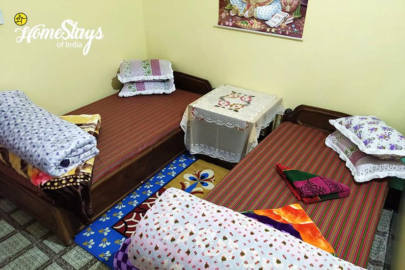 BedRoom3_Rimbik-Homestay-Darjeeling