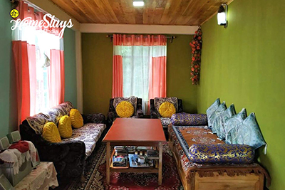 Drawing-Room_Rimbik-Homestay-Darjeeling