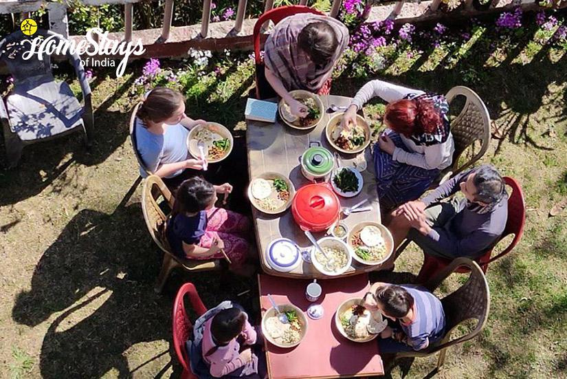 Lunch_Rimbik-Homestay-Darjeeling