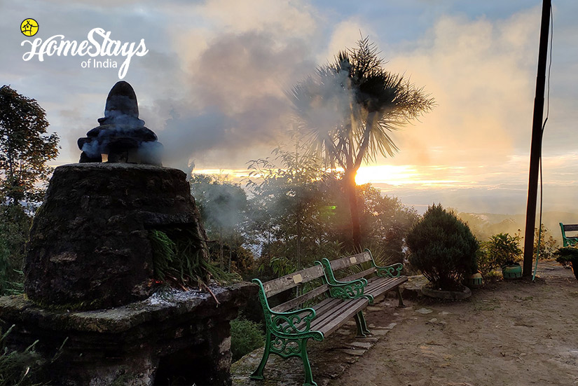 Prayer_Rimbik-Homestay-Darjeeling