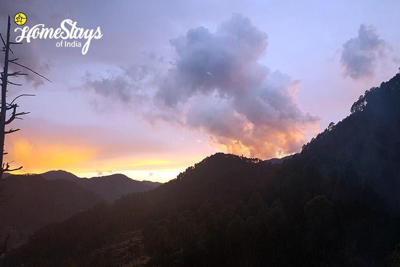 Sun Set_Gangori Homestay, Uttarkashi