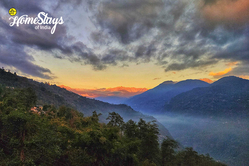 SunRise_Martam-Homestay-West-Sikkim