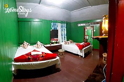BedRoom1_Ghoom-Homestay-Darjeeling