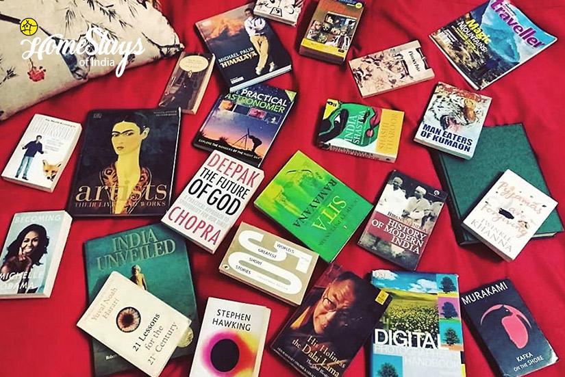 Books_Pangmo-Homestay-Spiti