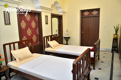 Classic-Deluxe-Room_Jhargram-Heritage-Homestay