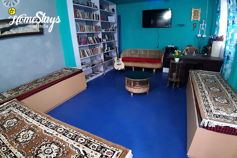 Common-Room_Ghoom-Homestay-Darjeeling