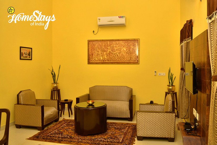 Drawing-Room_Jhargram-Heritage-Homestay