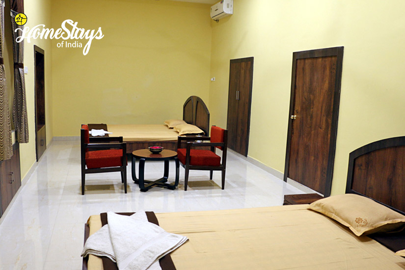 Family-Room_Jhargram-Heritage-Homestay