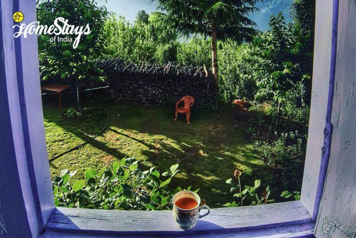 Garden_Saryo-Homestay-Kalpa
