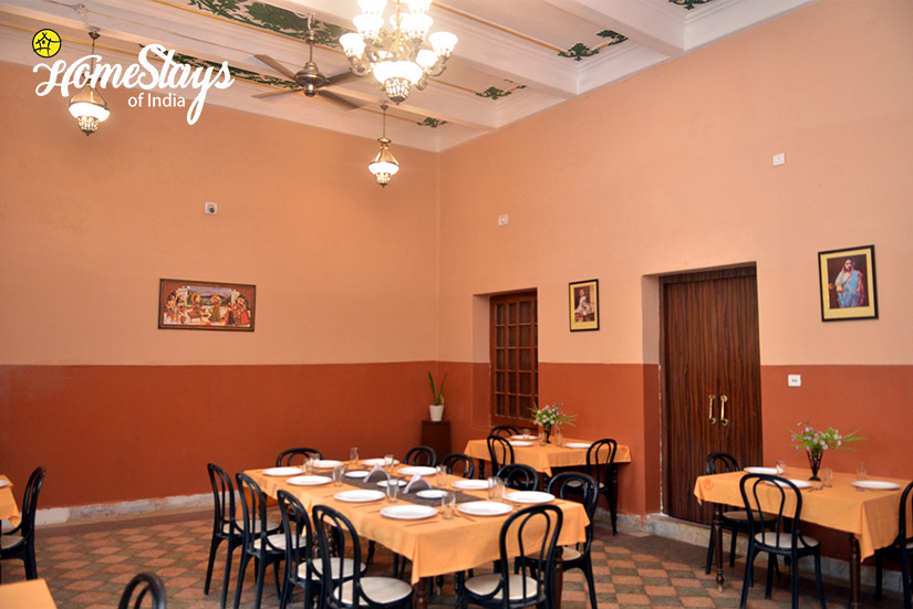 Royal-Dining_Jhargram-Heritage-Homestay