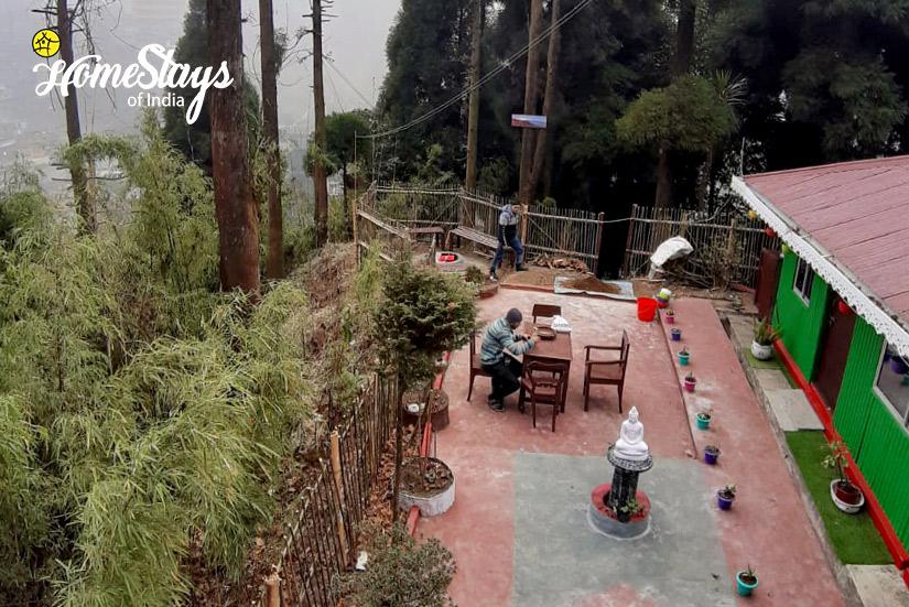 SitOut_Ghoom-Homestay-Darjeeling