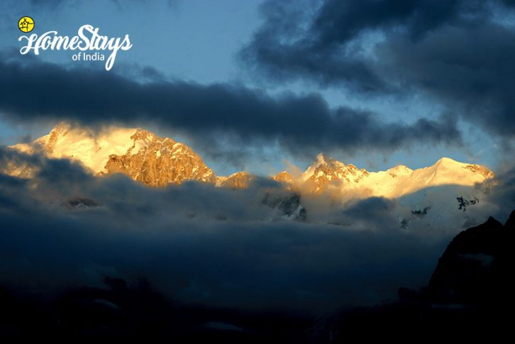 SunSet_Saryo-Homestay-Kalpa