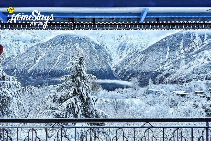 Winter_Saryo-Homestay-Kalpa
