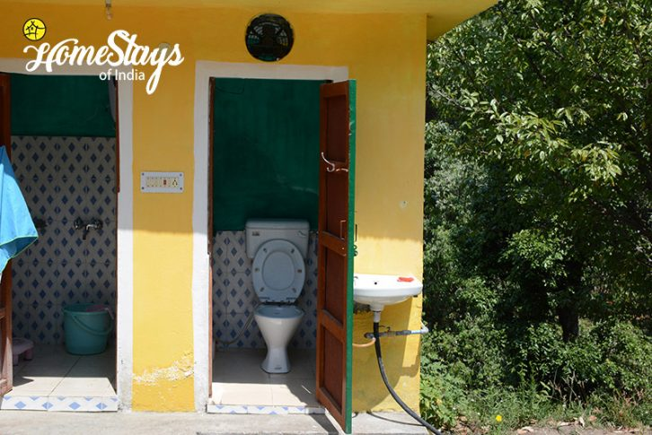 Bathroom Area 3_Mukteshwar Homestay