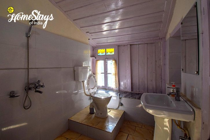 Bathroom_Bhandal-Homestay-Chamba
