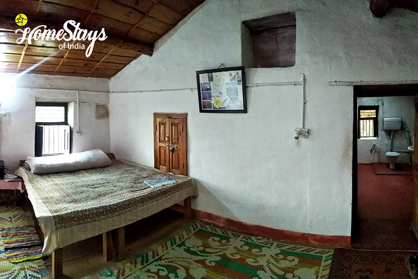 Bedroom-1_Kanarkha-Homestay-Padampuri