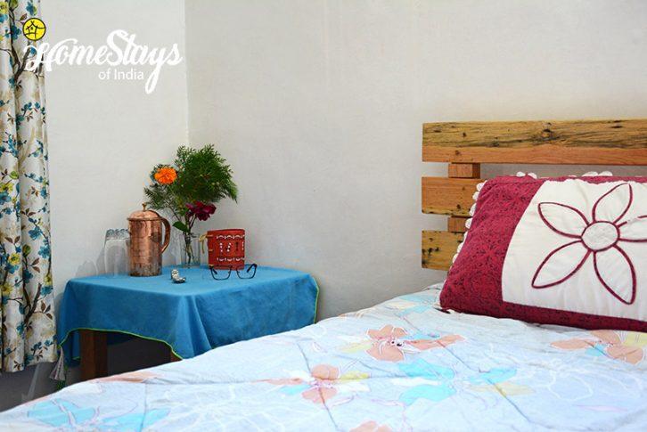 Bedroom-2_Sunkiya-Homestay-Mukteshwar