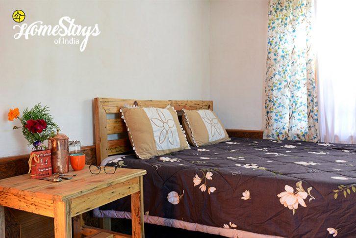 Bedroom_Sunkiya-Homestay-Mukteshwar