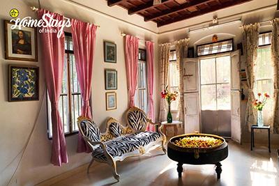 Drawing-Room_Ponnamvely-Homestay-Cherthala