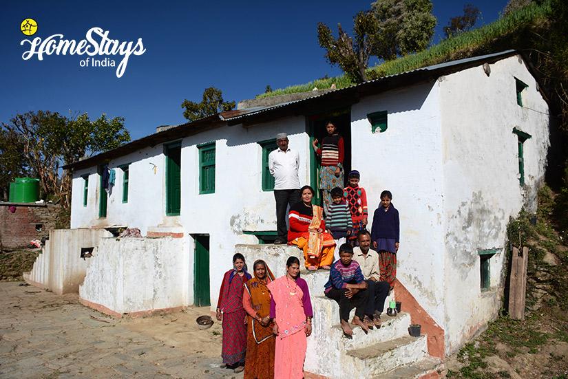 Host-Family_Kanarkha-Homestay-Padampuri