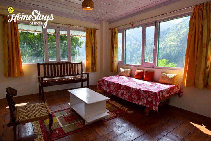 Lounge2_Bhandal-Homestay-Chamba