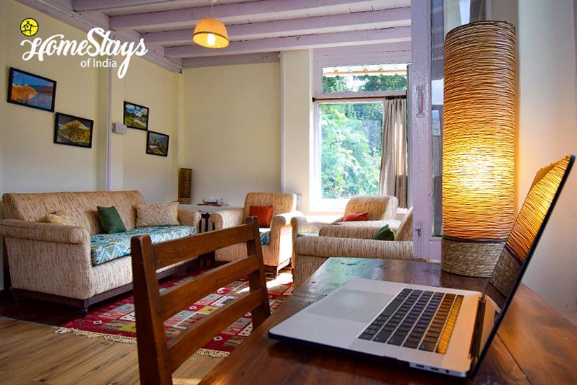 Lounge_Bhandal-Homestay-Chamba