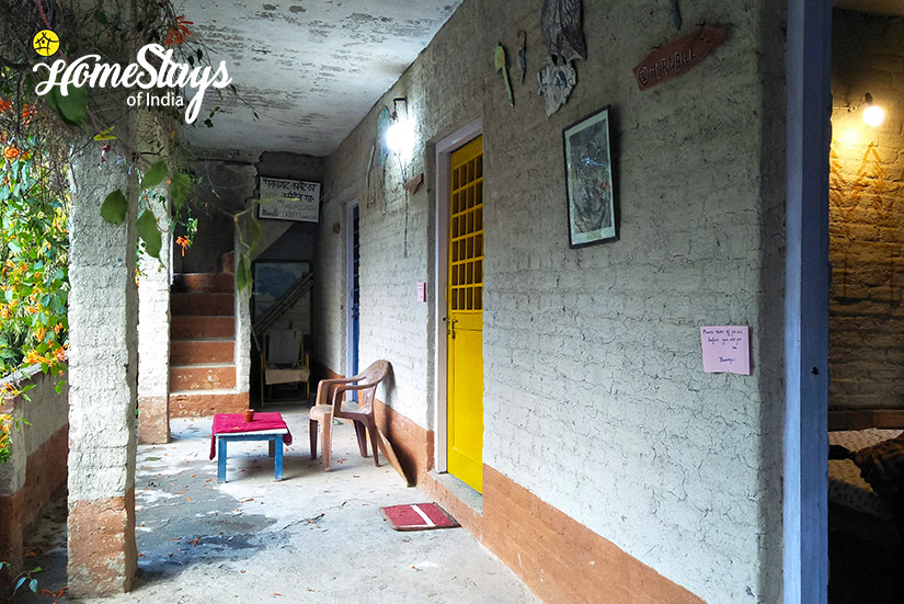 Varandah_Pawalgarh-Homestay