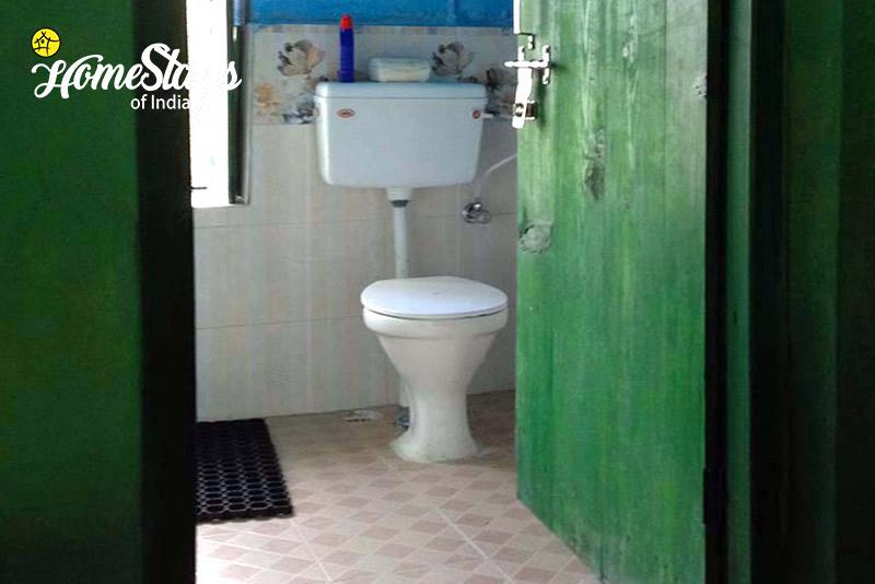 Washroom_Dalar-Homestay_Binsar