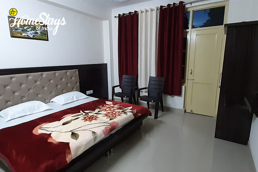 Bedroom3_Satobari-Homestay-Mcleodganj