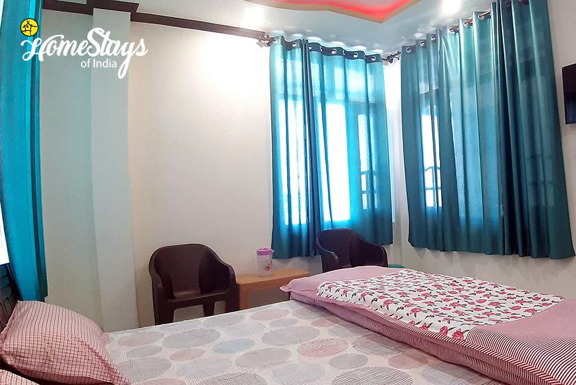 Bedroom4_Naddi Homestay_Mcleodganj