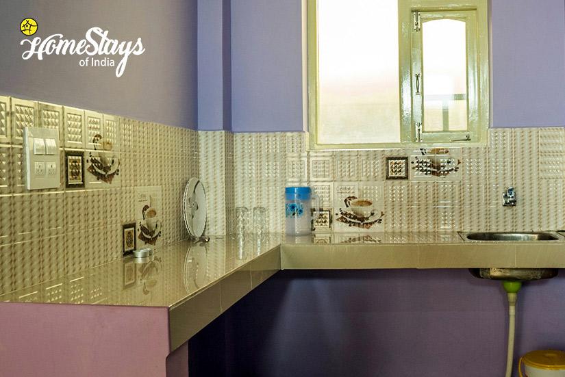 Kitchen_Naddi-Homestay_Mcleodganj