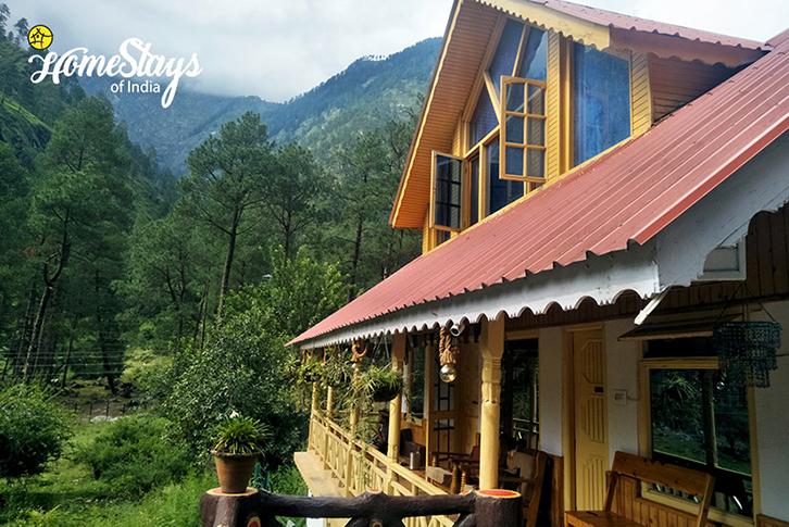 Balcony-SumaRopa-Homestay-Kasol