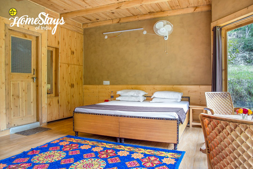 BedRoom2_Kaluropa-Homestay-Tirthan