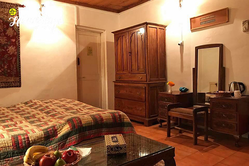 Chinar Room_Srinagar-Homestay-Kashmir