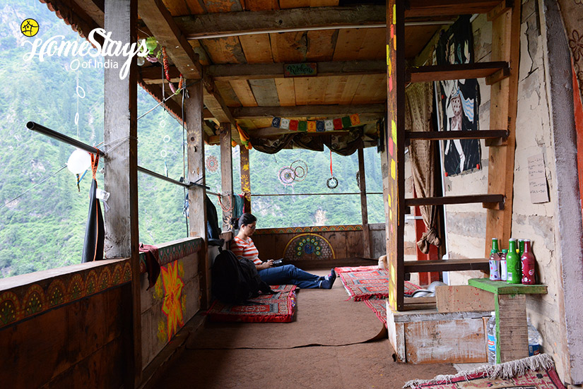 Common-Area_Malana-Homestay