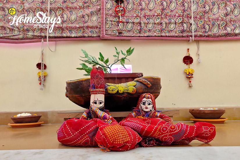 Decoration2_Gangapole-Tradional-Homestay,-Jaipur