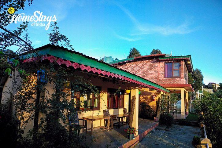 Exterior-Sargakhet-Homestay-Mukteshwar