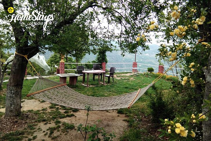 Garden-Sargakhet-Homestay-Mukteshwar